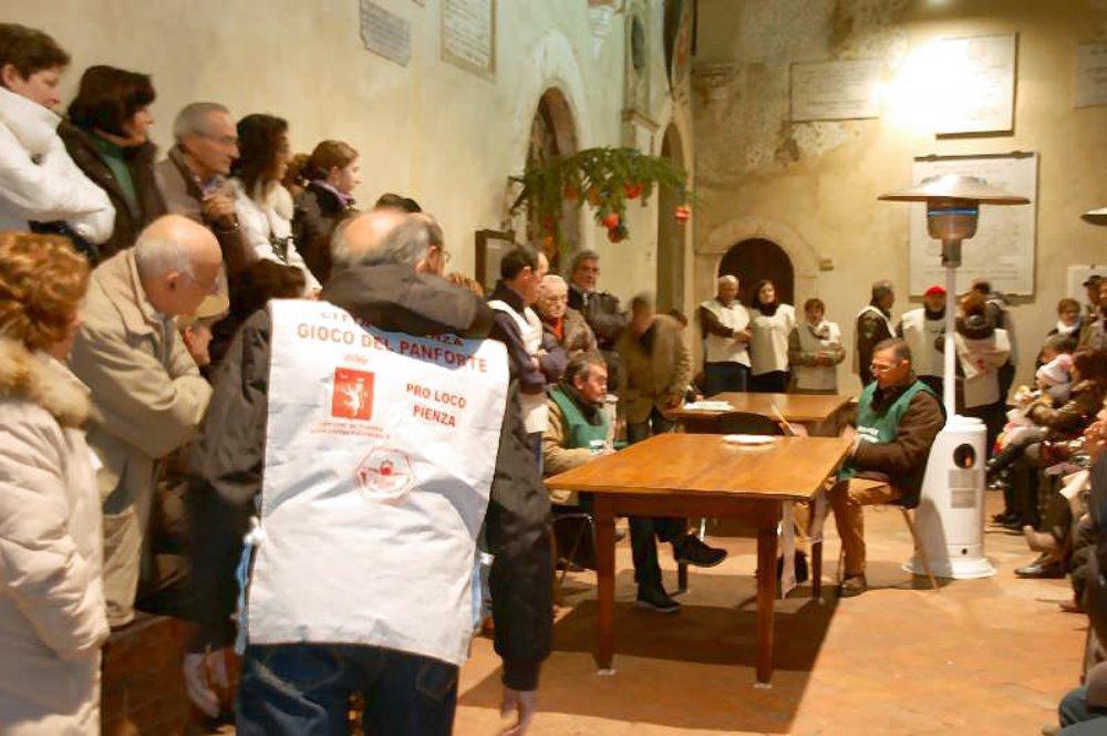 Il gioco del Panforte a Pienza Dal 26 al 30 Dicembre appassionati alle sfide del torneo dell'anno!