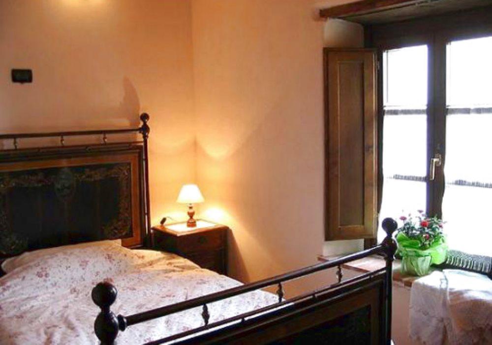 Soggiorno Arte Povera Con Camino : Il loggiato camereda letto bagno soggiorno con camino