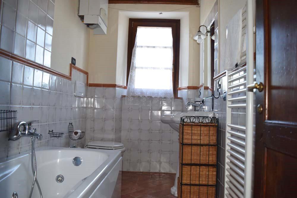 IL FIENILE 2 camere da letto, bagno con idromassaggio, soggiorno con ...