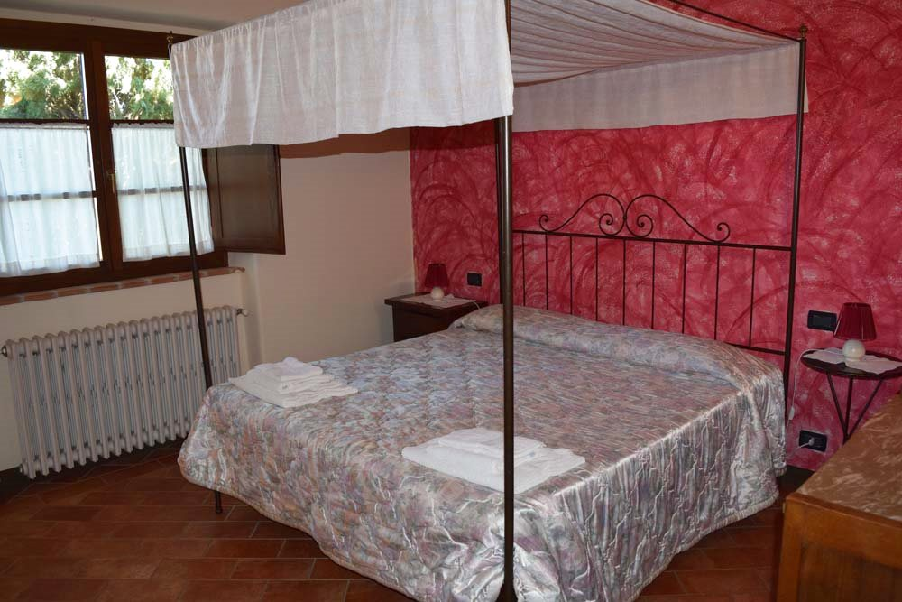 IL CAPANNO 2 camere daletto, 2 bagni con doccia, soggiorno con angolo cottura. 4+2 posti letto.